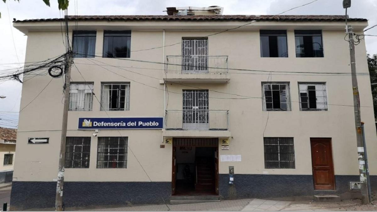 Fachada de oficina defensorial en Ayacucho