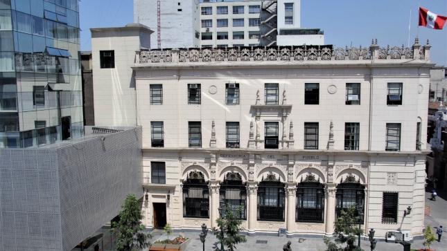 fachada de oficina de la Defensoría del Pueblo.