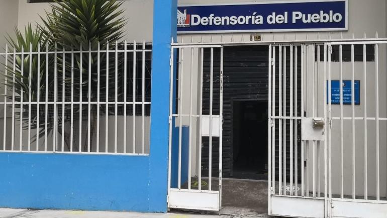 fachada de oficina de la Defensoría del Pueblo en Puno