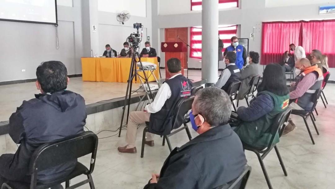 Foto de autoridades en reunión