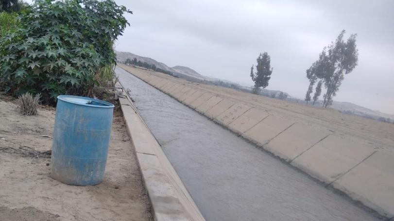 Foto de canal de agua