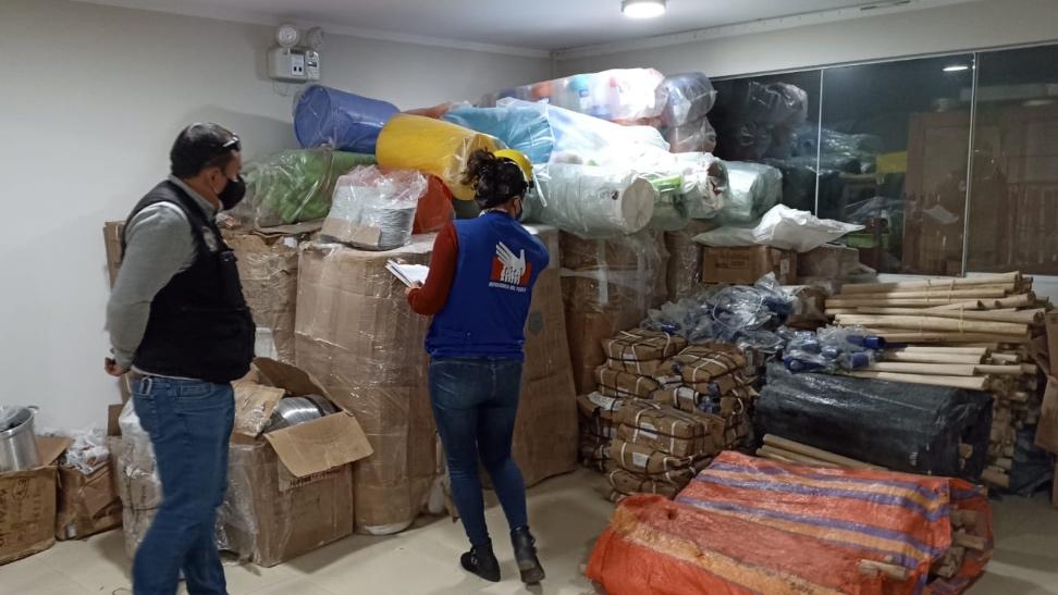 Foto de almacén de ayuda humanitaria